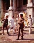 Valentino posing with models nearby Trevi Fountain. Rome, Artist: Date: July 1967 (Courtesy of The Art Archive / Mondadori Portfolio / Marisa Rastellini)