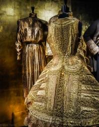 Inspiration Gold; Mugler; W1978/Piripiri, women's coat, 1919, Greece.