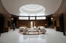 The interior of the entrance hall, created by the Swedish designer Rolf Engströmer