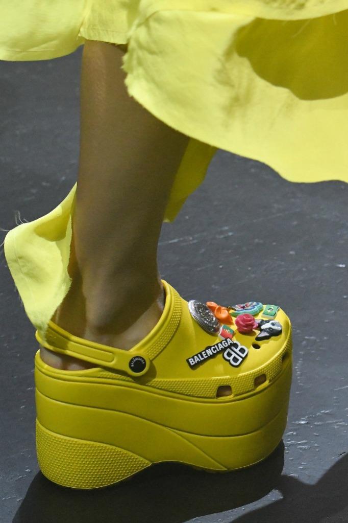 balenciaga foam shoes