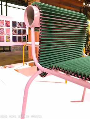Colback used to create a plisseé material for chairs. 'Pleated Seat' by Joris de Groot